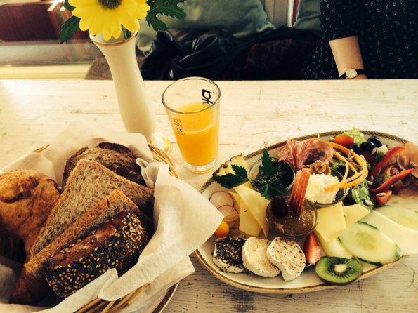 Kraweel Breakfast