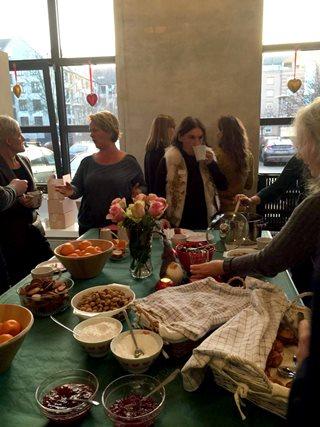 Christmas Meet Table 2